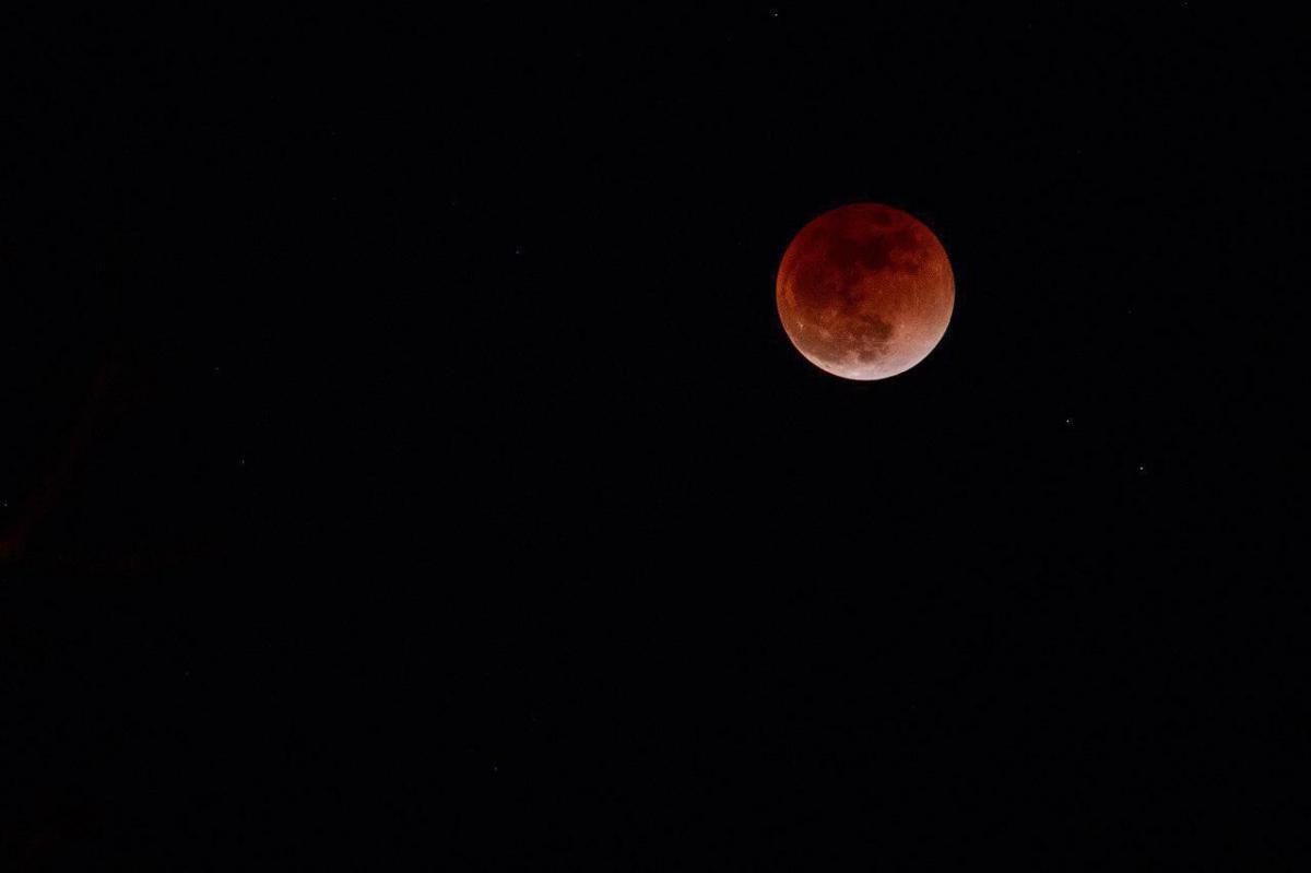 кровавое затмение луны картинки тихого